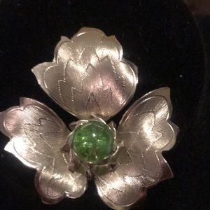 Jewelry - Vintage silver leaf flower. Brooch